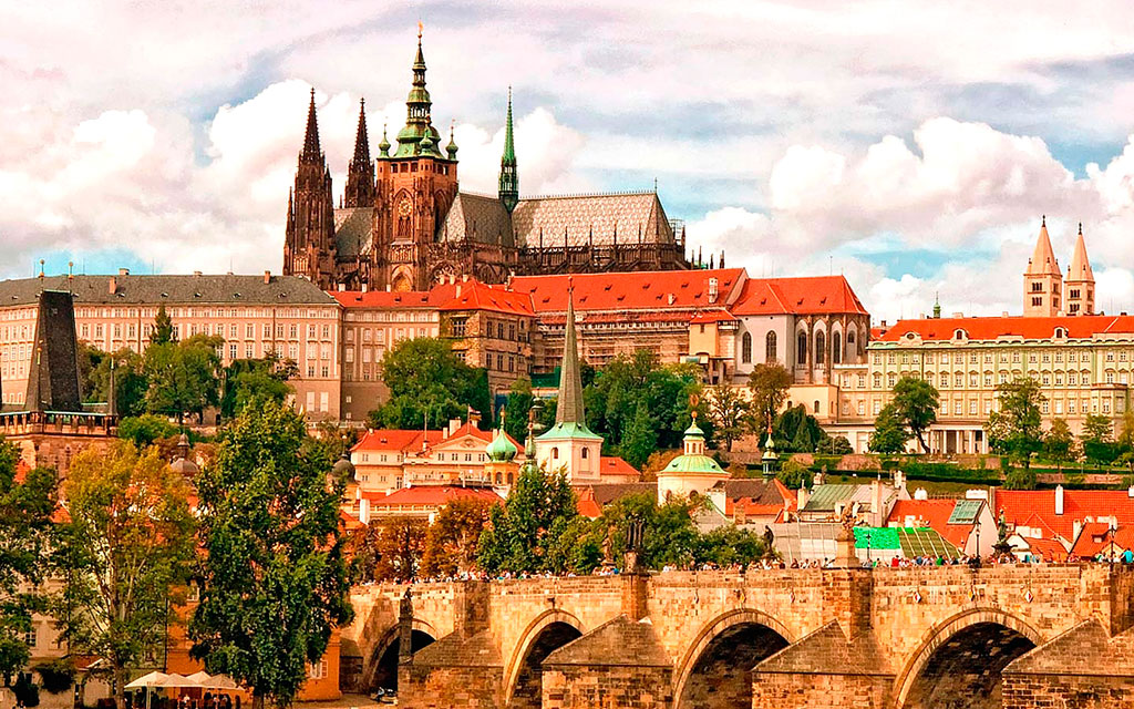 Экскурсии в Прагу